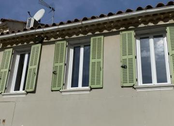 Fenêtres en PVC pose pour une maison de La Seyne sur Mer - 83 - Var  Sud Alu