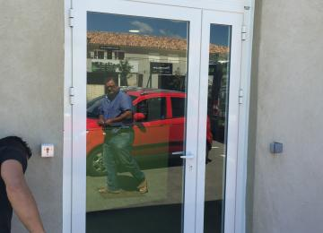 Pose porte d'entrée Six Fours - Sud Alu