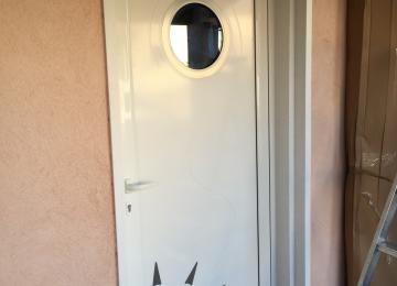 Pose porte d'entrée alu sur mesure - Sud Alu