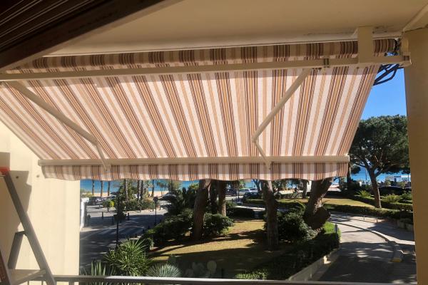 Store banne classique Toulon (83)