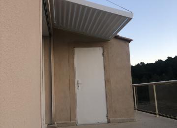 Installation d'un auvent lames inclinées à Bandol