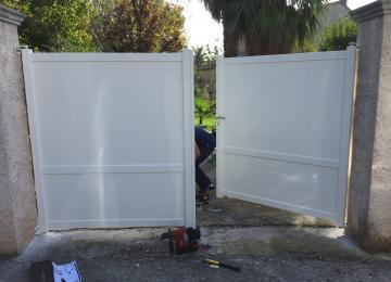 Installation portail battant motorisé - Six Fours - Sud Alu