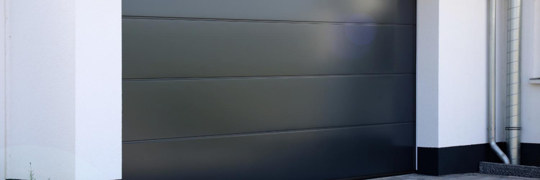 Installation porte de garage automatique sur-mesure